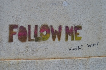 follow me. eliens. free pixabay