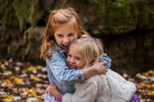 children-hugging-pexels-free-pixabay